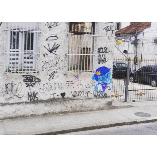 Reizinho di rolê  #graffiti #streetart #streetartrio #arteurbana #vandal #graffite #rj