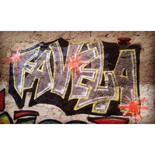 Relax... Lazer... Exercicio... Grafiti in my home... #meuparedao #graffitiwoman #graffiti #arturban #streetartrio #afrografiteiras #maisquevencedoresvk #vilakennedy #brasil