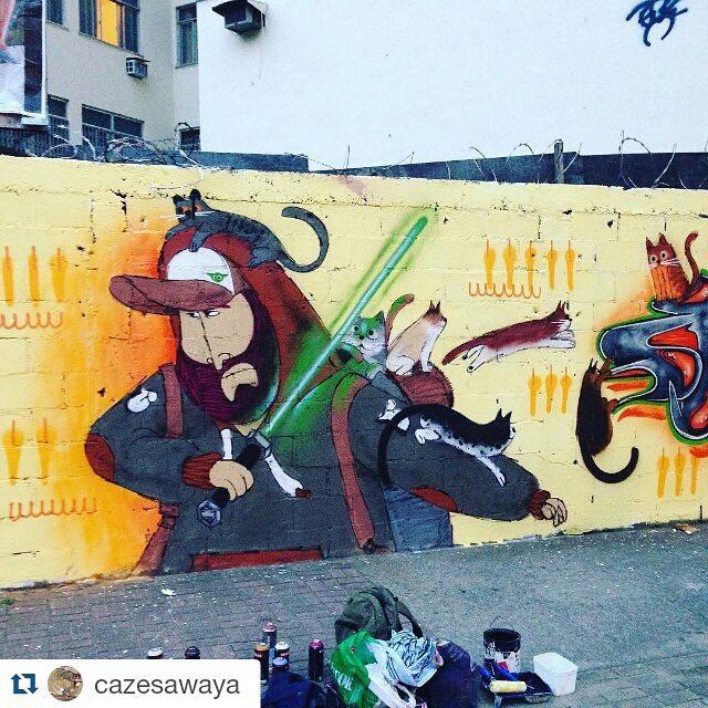#Repost @cazesawaya Bom dia! Que a força esteja com vcs!!! #instacat #starwars #jeddah #tijuca #tijukinstan #ilovecat #cat #catlove #streetart #streetartrio #charactergraffiti #barbudinhoandarilho