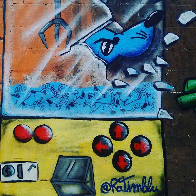Rolê de hj ! #graffiti #graffitti #art #arte #niteroi #itaipu #ratimblu #persona #jogo #galeria #streetartist #streetartrio #artcore
