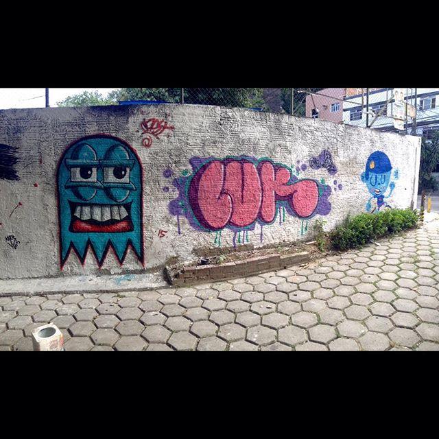 Rolé hoje com os amigos Nadi e Cast! #luk #Cast #Nadi #trapacrew #cosmicoscrew #tijuquinha #tijuca #streetartrio rio #bomb #graffrj #rj #hiphop #loveletters #graffiti #graffitirj #graffitirjzn
