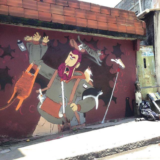 Saiiiii gatooo!!! Obrigado pelo convite, Tick. #tabajara #copacabana #streetart #streetartrio #instagrafiti #instacat #cat #petlove #animals #charactergraffiti #characterdesign #animation #cazé #cazesawaya #barbudinhoandarilho