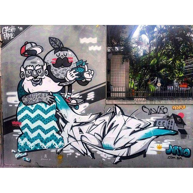 #StreetArtRio Grafite na Doutor Satamini entre a Melo Matos e a Professor Gabizo Artistas: @viniciuscarvas, @betofame
