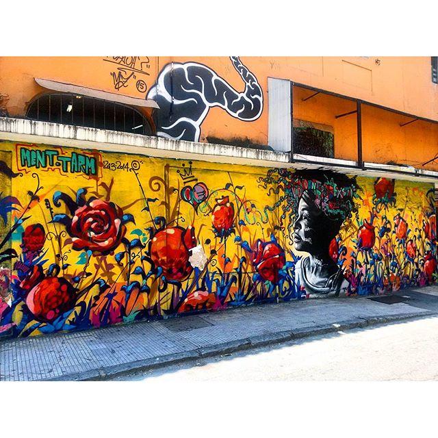 #StreetArtRio Grafite na Rua Sorocaba, em Botafogo. Artistas: @tarm1 (Tarm), @marceloment (Ment) e @mz_qpasa (MZ, acima do mural)