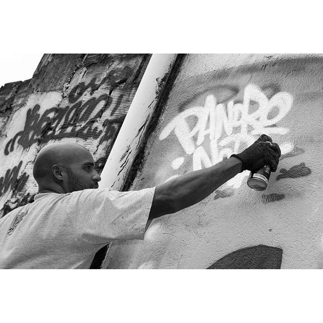 Tag. #pandronobã #artistasurbanoscrew #tagsandthrows #assinatura #caligraffiti #caligrafiadasruas #ruasdazn #zonanorte #ilovegraffiti #streetartrio #globalstreetart #writers #writersgraffiti #streetwriters #streetartbrasil 2015