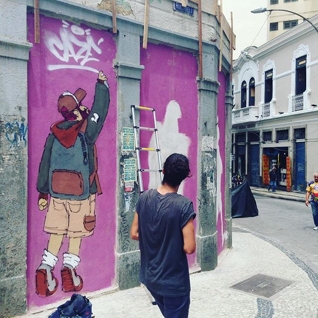 Tamo vivo!!! #motiongraffiti #cazé #barbudinhoandarilho #streetartrio #streetart #sketchwall #cazesawaya #lapa #centro ______________________ Ultimos dias para se escrever no Workshop de Graffiti em Niteroi. cazesawaya@gmail.com