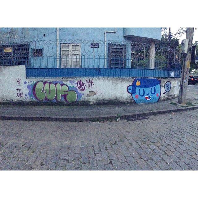 """Te amo"" Luk e Reizinho pela Tijuca ! #luk #Nadi #tjkrew #streetarterio #cosmicoscrew #trapacrew #streetartrio #tijuca #bomb #hiphop #rua #graffrj #graffiti"