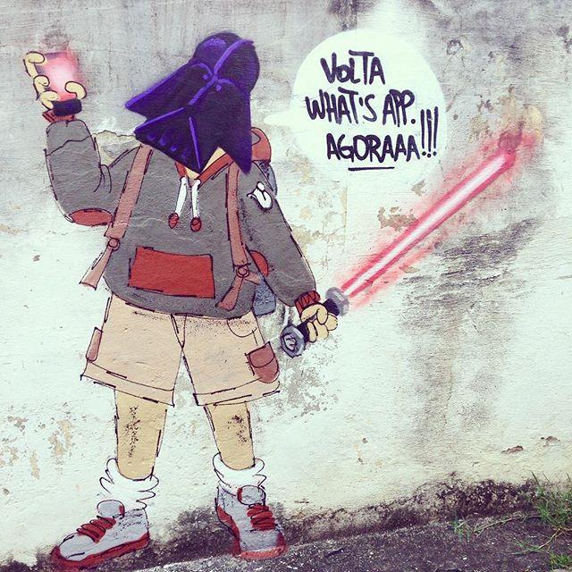 Volta what's app. Agoraaa!!! #whatsaapp #brasilsemwhatsapp #darthvader #darthvaderfanboy #darthvaderfanart #fanart #cazé #cazesawaya #streetartrio #streetartnews #street #starwars #starwarsart