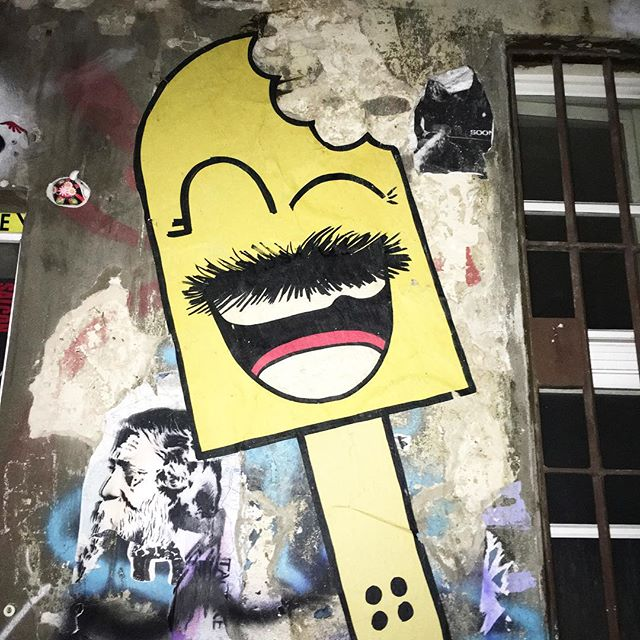 #arte #streetart #StreetArtRio #graffiti #bird #sonhos #art #instagraffiti #rj #riodejaneiro #wall #pels #berlin #berlim #trip #berlinart #berlinstreetart