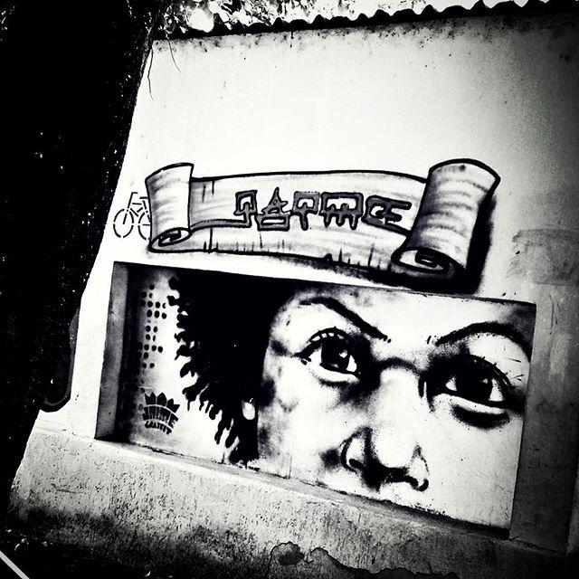 #graffiti #graff #grafite #urbangraffiti #instagrafite #instagraff #graffitirio #graffitiphoto #graffitiphotography #streetphotography #streetphoto #instastreet #Rua #bnw #blackandwhite #insta_bnw #monotone #pretoebranco #monochrome #bnwphotography #bnw_street #Rio #RJ #RiodeJaneiro #Brasil #StreetArtRio
