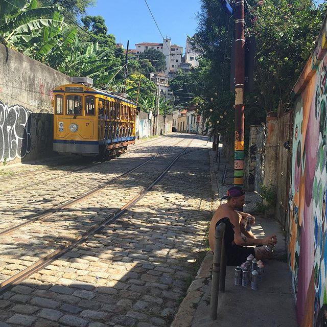 #graffiti #riodejaneiro #santateresa #bondinhodesantateresa #arcosdalapa #streetartrio #artederua #muitofeliz #mast #mastcora