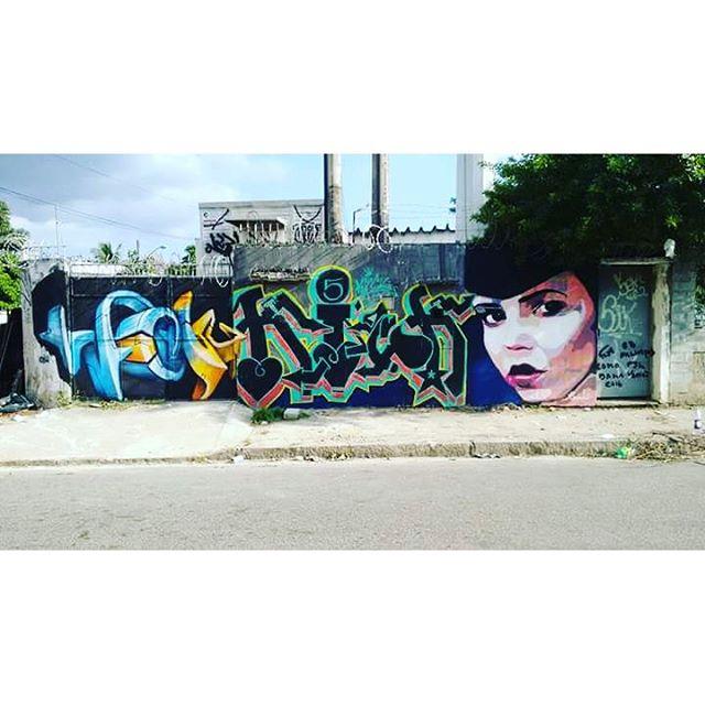 #koih #KICK5 #cesola #errejota #riodejaneiro #throwup #urbanwear #urbanart #instakick #arteurbana #spraypaint #streetartrio #graffitilove #lovepaint #loveletter #graffitisticker #kickinstagram #vandalrj #brasilvandal #