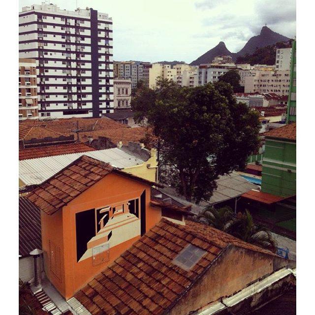#mariobands #bands #ArtistaInterventor #janelas #seriejanelas #streetartrio #streetstyle #streetarteverywhere #instagraffiti #instasize #intagrafite #offprojectos #artistasurbanoscrew #ClasseDescritorioDeIdeias #artederua #streetartfiles #rjvandal # #graffitilegends #graffrio