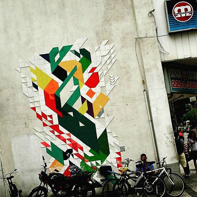 #muda #coletivomuda #azulejo #tile #urbangraffiti #grafite #graffitiart #streetart #graffitirio #instastreet #streetphotography #streetphoto #graffiti #graff #rua #street #RiodeJaneiro #jardimbotanico #RJ #BR #Rio #Brasil #StreetArtRio