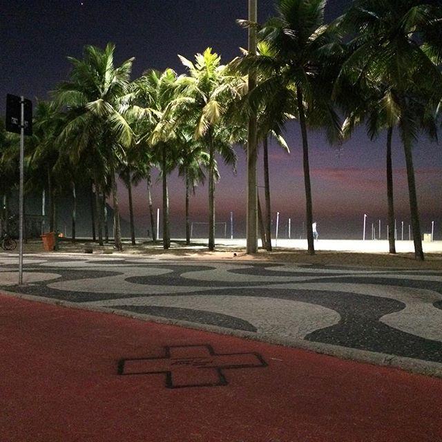 #oraculoproject #contemporaryart #streetart #manifesto #urbanart #graffiti #streetartphotography #streetartist #artederua #arteurbana #stencil #energy #rightplace #righttime #teleport #love #stencilart #brasil #riodejaneiro #streetartnews #streetartrio #spacetime #rightplacerighttime