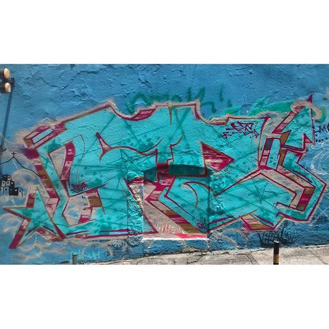 por: @felipezvb • #rjvandal #streetartrio #streetart #graffiti #graffitiart #art #riodejaneiro #tags #tagsandthrows #throwsup #throwsupz #bombing #bomb #grafite #artist #artoftheday #arteurbana #rj #urbanart #artederua #rua #graffitiwall #sprayart #vandal #galeriaceuaberto #olheosmuros #bombingbrasil #graffitirio #art #makeart