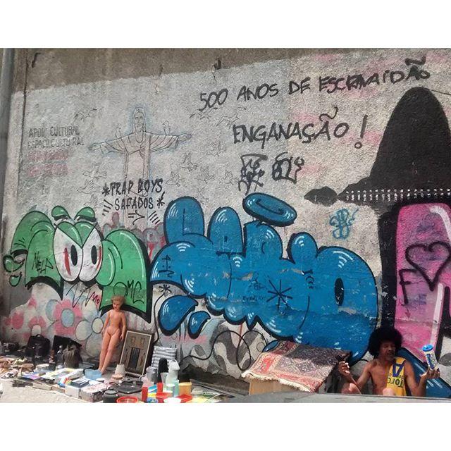 por: @soon808s @theonewhoknows @tadeunak #xarpirj• #rjvandal #streetartrio #streetart #graffiti #graffitiart #art #riodejaneiro #tags #tagsandthrows #throwsup #throwsupz #bombing #bomb #grafite #artist #artoftheday #arteurbana #rj #urbanart #artederua #rua #graffitiwall #sprayart #vandal #galeriaceuaberto #olheosmuros #bombingbrasil #graffitirio #art #makeartist