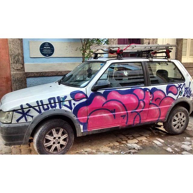 por: @stile_rj • #rjvandal #streetartrio #streetart #graffiti #graffitiart #art #riodejaneiro #tags #tagsandthrows #throwsup #throwsupz #bombing #bomb #grafite #artist #artoftheday #arteurbana #rj #urbanart #artederua #rua #graffitiwall #sprayart #vandal #galeriaceuaberto #olheosmuros #bombingbrasil #graffitirio #art #makeart #vandalismo #