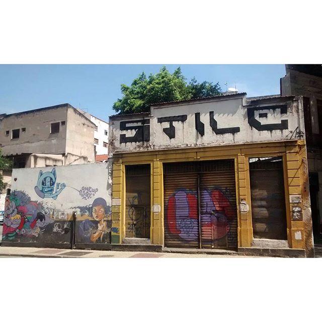 por: @stile_rj @leiga_ @1up_crew_official • #rjvandal #streetartrio #streetart #graffiti #graffitiart #art #riodejaneiro #tags #tagsandthrows #throwsup #throwsupz #bombing #bomb #grafite #artist #artoftheday #arteurbana #rj #urbanart #artederua #rua #graffitiwall #sprayart #vandal #galeriaceuaberto #olheosmuros #bombingbrasil #graffitirio #art #makeartist