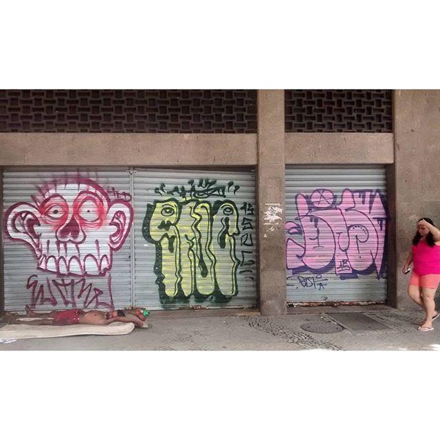 por: #WOW @tiaosnc @bisyunah • #rjvandal #streetartrio #streetart #graffiti #graffitiart #art #riodejaneiro #tags #tagsandthrows #throwsup #throwsupz #bombing #bomb #grafite #artist #artoftheday #arteurbana #rj #urbanart #artederua #rua #graffitiwall #sprayart #vandal #galeriaceuaberto #olheosmuros #bombingbrasil #graffitirio #art #makeartist