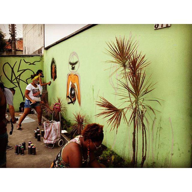 #streetartrio #mulhernografiti #mulherpodetudo #graffitiwoman #graffiti #mulheresemcena #elas #cidadedasmulheres