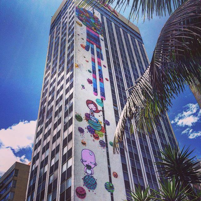 #tozfbc #artederua #arteurbana #streetart #urbanart #graffiti #streetarteverywhere #streetartrio #streetart_daily #rsa_graffiti #misturaurbana #spray #spraypaint #graffitiart #murals #urbanwalls #streetartandgraffiti #graffitiporn #graffitlovers #riodejaneiro #rio #rj #errejota #cenascariocas