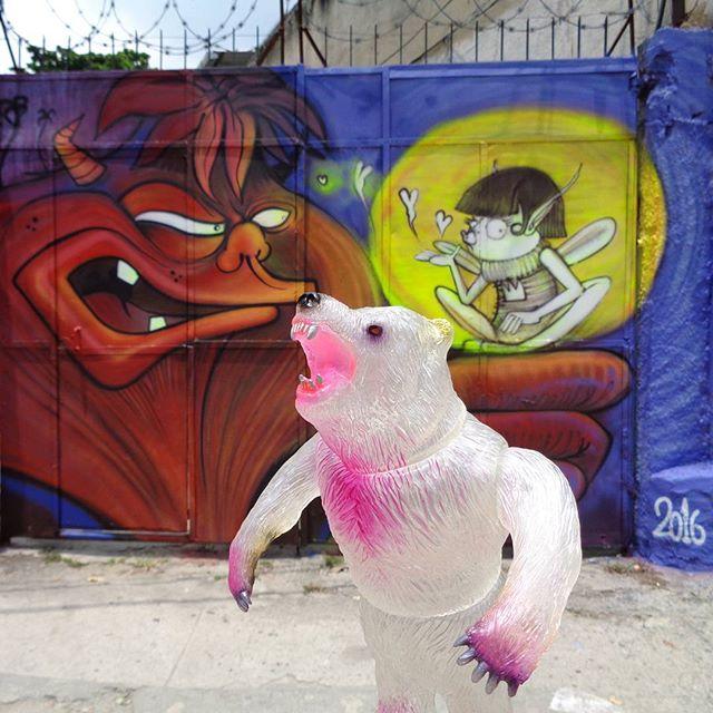 All creatures want to be treated fairly. #nhobigraffiti #streetartrio #graffitiart #kesagake #kaibutsuya #rampagetoys