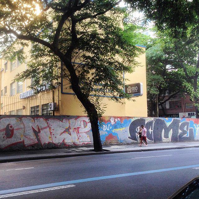 Art done by @universoacme #graffiti #grafporn #streetart #streetartrio #streetartglobe #urbanart #spraydaily #muralsdaily #copacabana #riodejaneiro #brazil