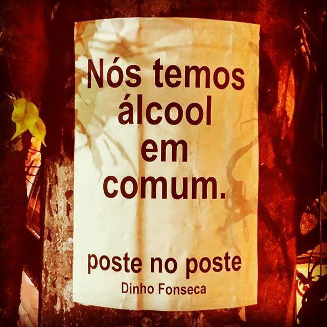 Conheça o livro VERDADE NOTURNA - Dinho Fonseca (Chiado Editora - 284 págs.) no Facebook. Compre pelo site da Chiado Editora ou da EasyBooks. Também em e-book e nas melhores livrarias do Brasil e de Portugal. #poesias #poetry #poema #poemas #verso #versos #poeta #poetas #arte #arteurbana #rj #rio #streetart #original #autor #autoral #post #poste #postes #posts #frases #dinho #dinhofonseca #postenoposte #poster #originals #StreetArtRio #street #verdadenoturna #chiadoeditora