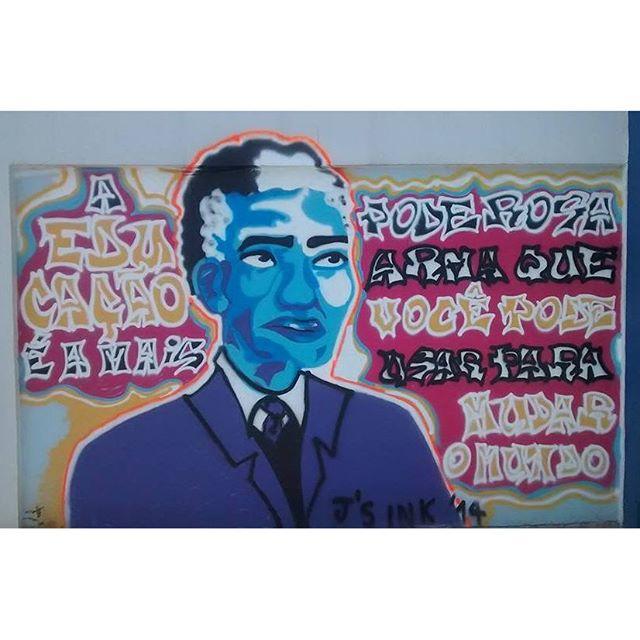Esse foi o primeiro #Graffiti que fiz, no final de 2014. Nelson Mandela em Manguinhos. #streetartrio #art #jlo #jloborges #jsinktattooeart