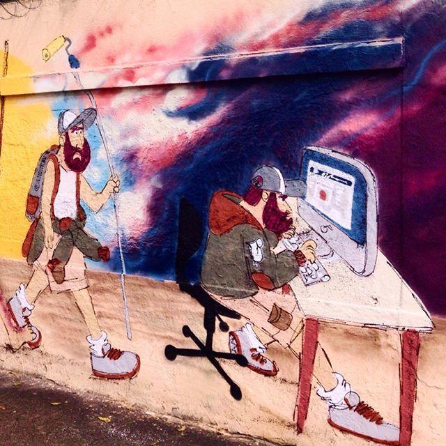 Evolução do homem. #cazesawaya #cazé #primata #facebook #addicted #streetartrio