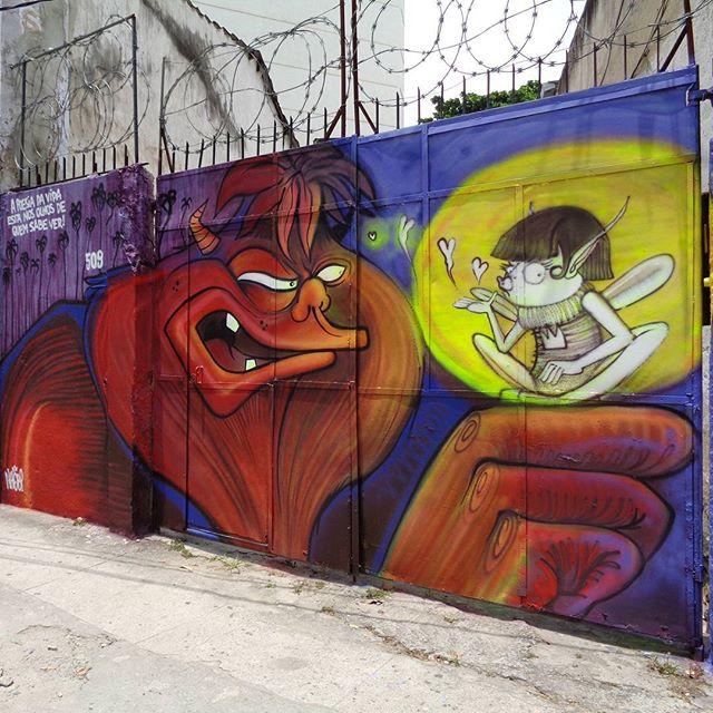 """""""Gigante & Fada"""" graffiti art by @nhobi_cerqueira . #nhobigraffiti #streetartrio #graffitiart #streetart #artederua #urbanart #arteurbana"""