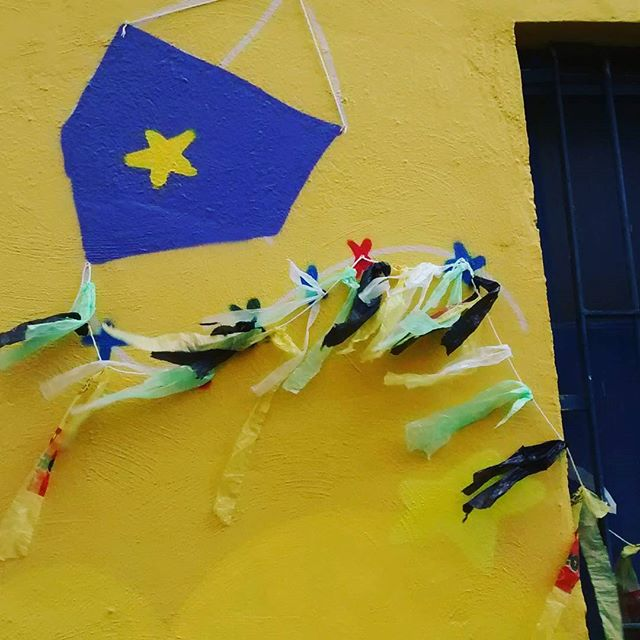 Graffiti 3d! Dibicando e cortando na mão! #graff #graffiti #instagraff #draw #pipa #kite #streetartrio #street #streetart #lapa #ladeiradocastro #rj40graus #spraypaint #spray #nadigraffiti #trapacrew