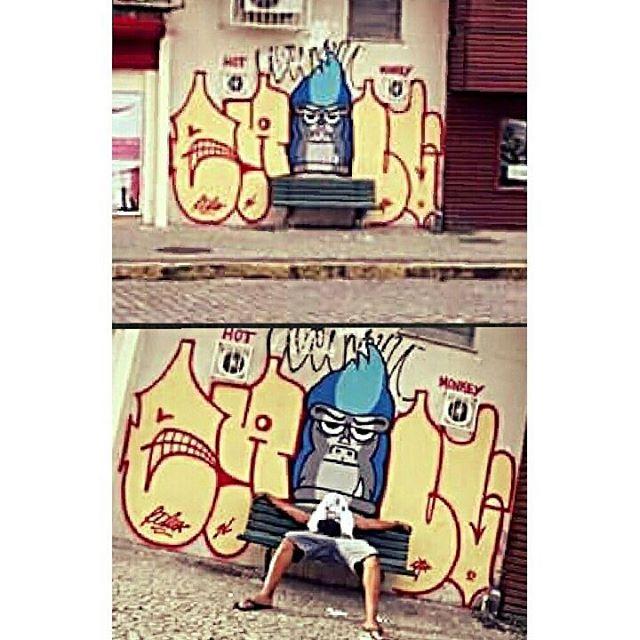 Habilidade natural de primatizar ideias... #graffiti #bomb #throwup #xarpi #xarpirj #pixo #tag #vandal #vandalismo #vandalism #arteurbana #urbanart #estreetart #riodejaneiro #macacoquente #hotmonkey #amantesdotraçooculto #lovershiddenfeature #novaera #newage #StreetArtRio #vandalovers #gorila #gorilla