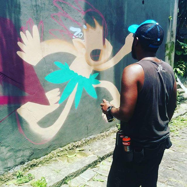 Já estava com saudades da rua!!! Vlw meu camarada @cazesawaya pelo espaço! #ladeiradocastro #lapa #folclorebrasileiro #folklore #tintapapelecoração #graffiti #graffitiartist #spraypaint #spraycanart #streetartrio