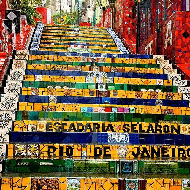 Já viu no facebook nossa dica sobre alguns lugares para encontrar uma boa #artederua no #rj ? https://m.facebook.com/story.php?story_fbid=221691058167661&id=195679384102162 Dá uma olhada, tem um texto super legal. #étudobelga #streetart #streetartrio #grafite #balneariocamboriu #brigadeirobalneario #brigadeirogourmet #brigadeirocariocabc #brigadeirocarioca
