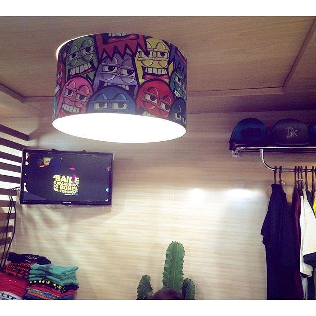 Luminária da nova loja @tijukistan!