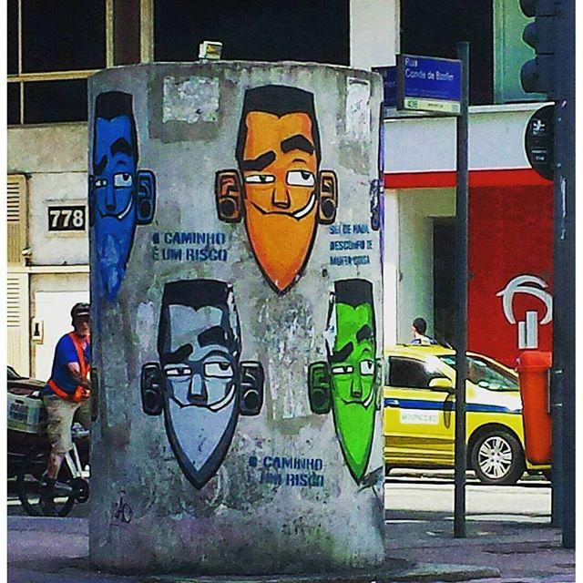 Mais uma obra do Eco na Tijuca. @marceloeco na Praça Saens Peña. Isso é #ArteUrbanaBR #elgraffiti #urbanart #brstreet #brarts #streetart #artederua #ig_graffiti #igersbrasil #igersrio #riodejaneiro #carioca #cariocagram #igersfollow #monoprixx #vejario #graffitiart #graffiti #grafite #arteurbana #urbanarteverywhere #streetartrio #streetarteverywhere #instagraff #artecallejero #vejario #arte #painting #tijuca #tijukistão
