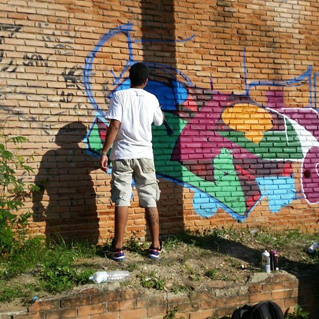 Nosso sonho não termina . Nosso sonho só se renova . #graffiti #graffitiart #streetart #art #arte #arteurbana #letters #weloveletters #artsy #hiphop #vsco #vscocam #wildstyle #wildstylegraffiti #brasil #graffitilovers #streetartrio #Blopa #BlopaOne #letters