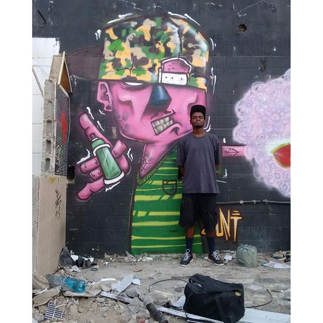 Paint do dia! Obrigado Deus pelo dia irado! #felipeblunt #streetartrio #streetartniteroi #graffitiday #graffitiink #niterói #niteroigram