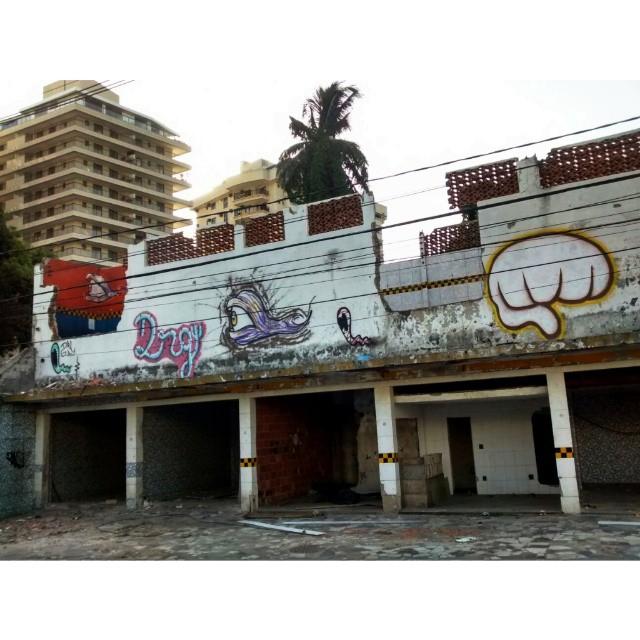Rolé de ontem com os amigos #graffiti #streetart #streetbombing #aze1 #streetartrio #rjvandal #riscocrew