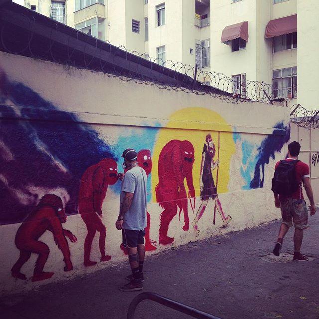 Rua! Meu irmão @nhobi_cerqueira de volta! Canta fat cap. #rio40graus #helldejaneiro #streetartrio #streetart #cazé #cazesawaya #characterdesign