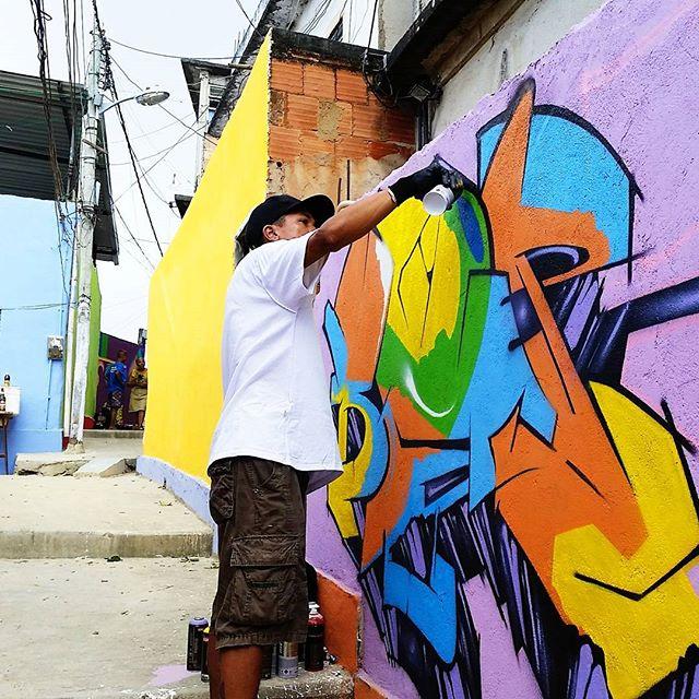 Seja de dentro pra fora, não seja em vão e por precaução seja agora ! #graffiti #graffitiart #streetart #art #arte #arteurbana #letters #weloveletters #artsy #hiphop #street #streetartrio #wildstyle #wildstylegraffiti #graffitilovers #vsco #vscocam #BlopaOne #Blopa