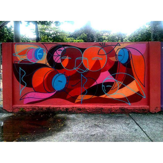 #StreetArtRio Grafite nos muros da Escola Municipal Pedro Ernesto Artista: @pia_malingua (Piá) Tirada em 12/01/2016