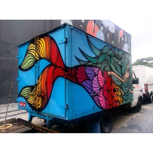 #StreetArtRio Grafite sobre carreta, 3/5 Artista: @_rafamon_ (Rafaela Monteiro)