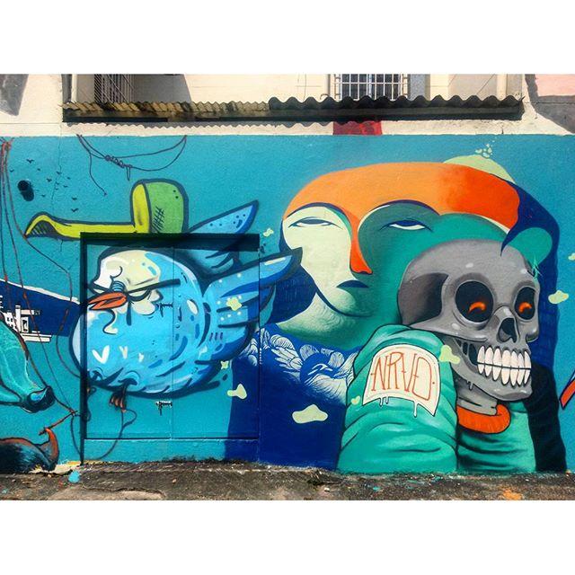 #StreetArtRio Mural no Largo de São Maron, perto da praça São Francisco Xavier, 3/5 Artistas no detalhe: @bivup (Bives), @memiguilherme (Memi) e @raphaeltorres (Hans) Tirada em 08/01/2016