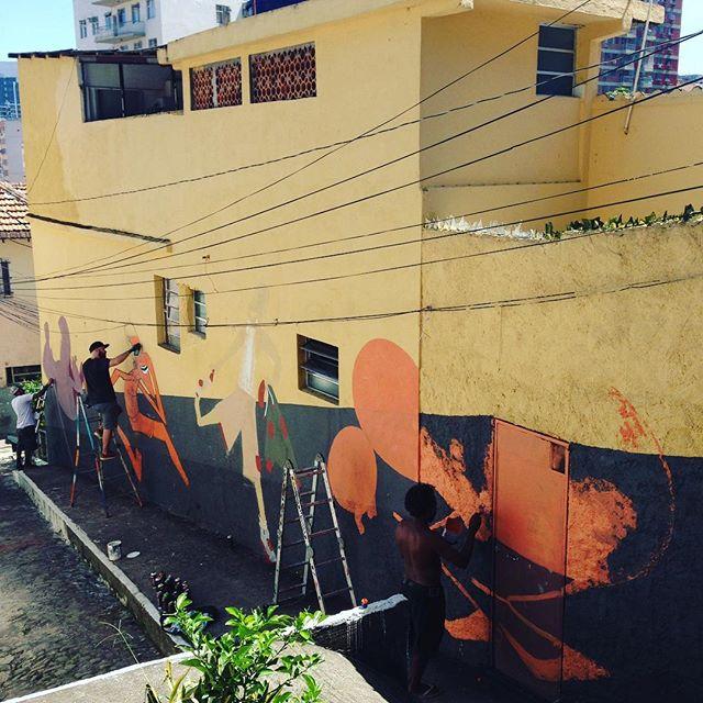 Ta tendo! Conexão rio x são paulo. Nhobi, Eco e Onesto! Satisfação e respeito. #ladeiradocastro #barbudinhoandarilho #riodejaneiro #streetartrio #streetartsaopaulo #streetart #charactergraffiti