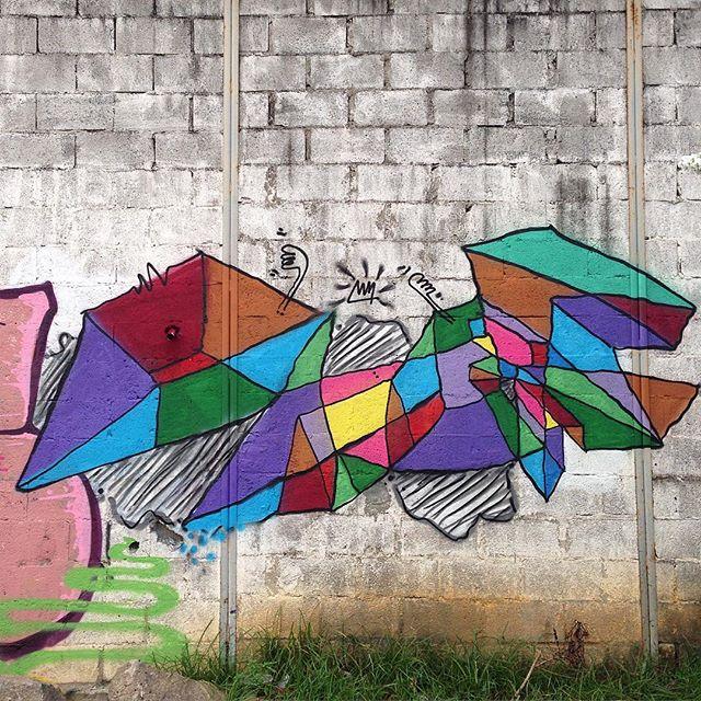 """Tipologia Minimalista"" Iniciando as atividades de 2016!! #tipologia #minimalismo #leters #letras #3d #graffiti #pintura #spray #cores #sentimentos #real #ilusao #geometricabstraction #abstracaogeometrica #rua #zn #riodejaneiro #streetartrio"