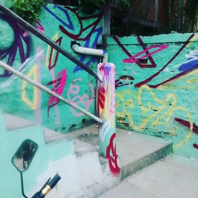 Vamos de arte. #arte #rua #021crew #instagraffiti #instaart #streetarte #streetartrio #RJ
