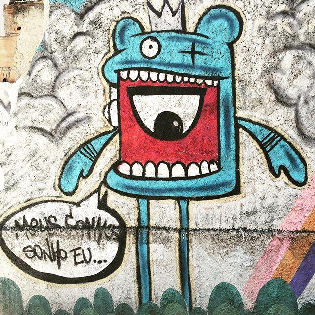 #dreams #mydreams #street #streetart #wall #wallart #graffiti #streetartrio #riodejaneiro #timetolive #moments #artederua #tempodeviver #momentos #sonhos #meussonhos #meussonhossonhoeu